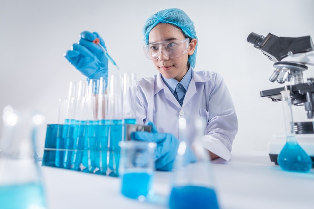 Pipetting Techniques: How to Improve Precision and Accuracy in the Lab